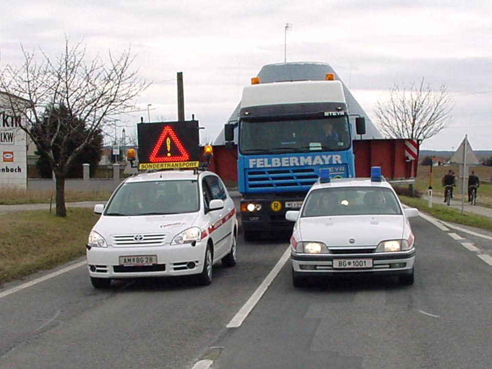 Besondere Überprüfung Prüfung von auffälligen Fahrzeugen nach Anzeigen durch die Exekutive Prüfung von speziellen Fahrzeuggruppen (ältere Fahrzeuge, Fabrikationsfehler etc.) Prüfungen an Ort und Stelle mit der Exekutive
