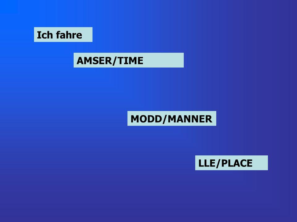 Ich fahre um drei UhrAMSER/TIME mit dem Rad zum ParkLLE/PLACE MODD/MANNER