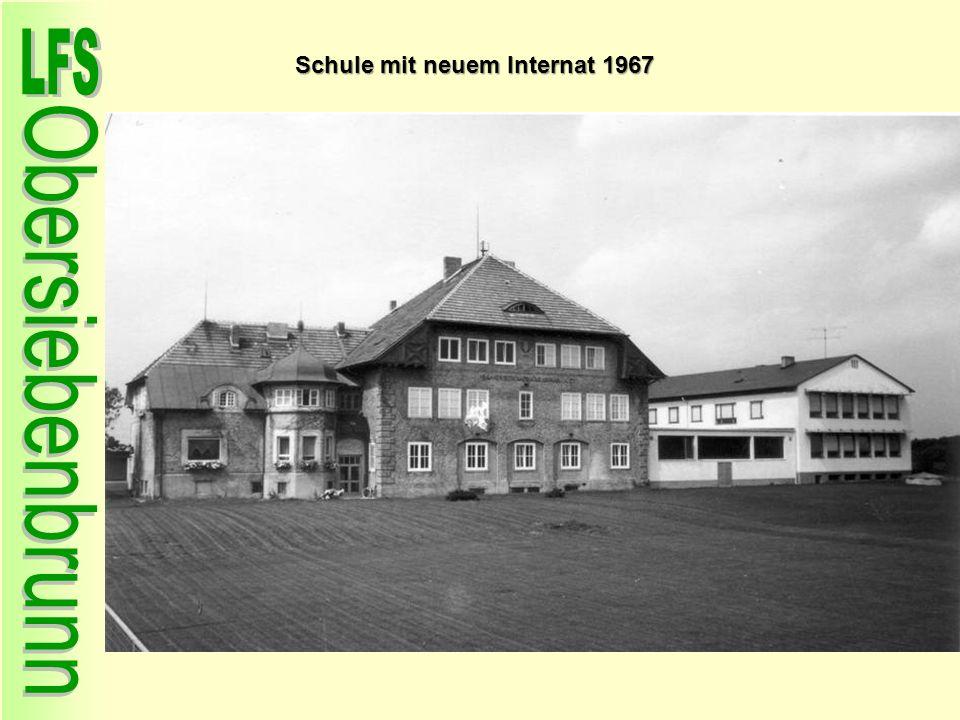 Schule mit neuem Internat 1967