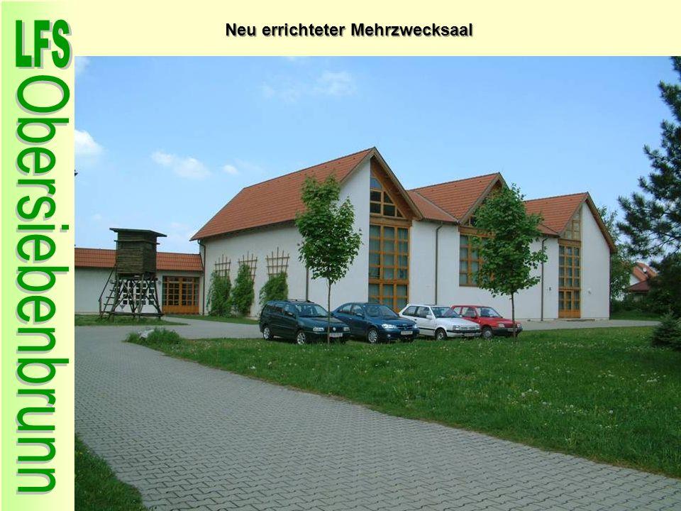 Neu errichteter Mehrzwecksaal