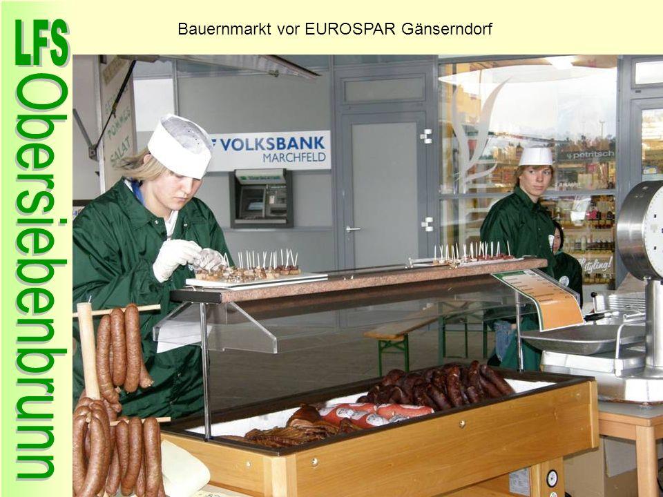 Bauernmarkt vor EUROSPAR Gänserndorf