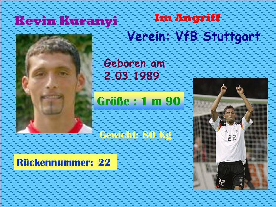 Sebastian Deisler Geboren: 5.01.80 Größe: 1.82M Gewicht:78 Kg Rückennummer: 26 Mittelfeldspieler Verein: FC Bayern München Spitzname: Basli