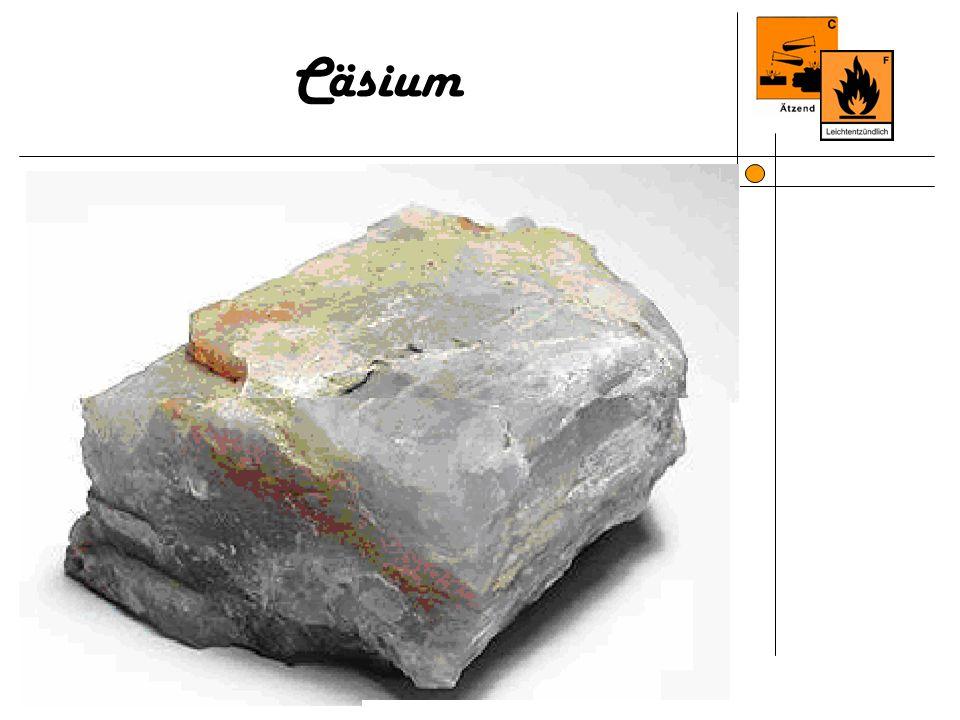 Information Name, Symbol, Ordnungszahl Caesium, Cs, 55 Aussehensilberweiß glänzend SerieAlkalimetalle Massenanteil an der Erdhülle 6 · 10-4 % Atommasse132,9054 u Elektronen pro Energieniveau 2, 8, 18, 18, 8, 1 Aggregatzustandfest Kristallstrukturkubisch-raumzentriert Dichte1,879 g/cm³ Schmelzpunkt301,60 K (28,5 °C) Siedepunkt944,15 K (671 °C)