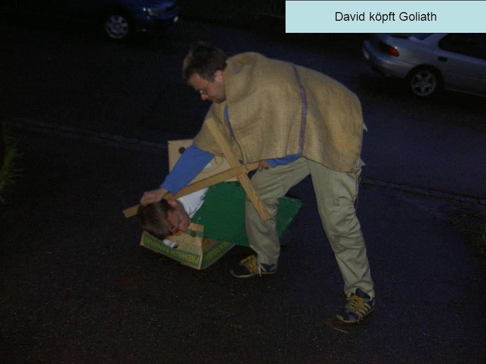 David köpft Goliath