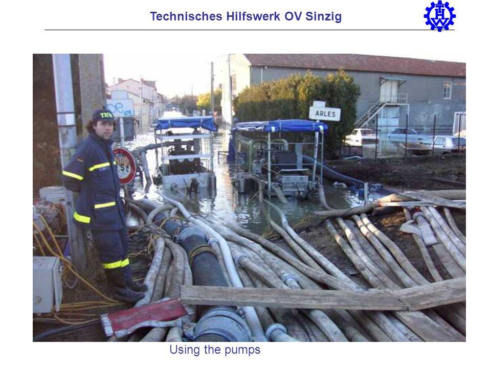 Technisches Hilfswerk OV Sinzig Using the pumps