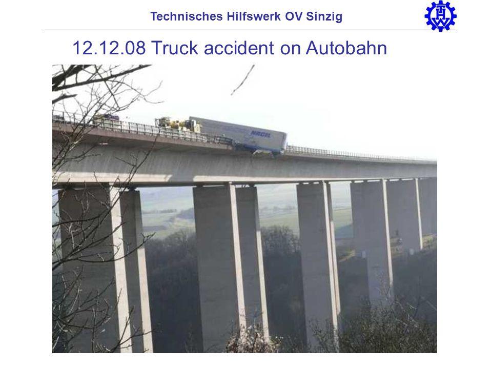 Technisches Hilfswerk OV Sinzig 12.12.08 Truck accident on Autobahn
