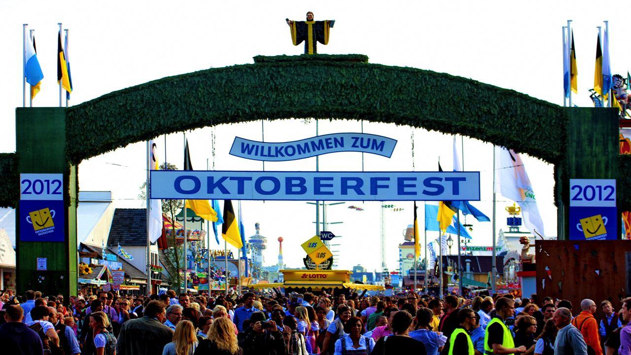 Zusammenfassung Historischer Rückblick Das Prinzip des Oktoberfests Die Folgen des Oktoberfests (Einfluss) Das 2013-Oktoberfest : das 203.