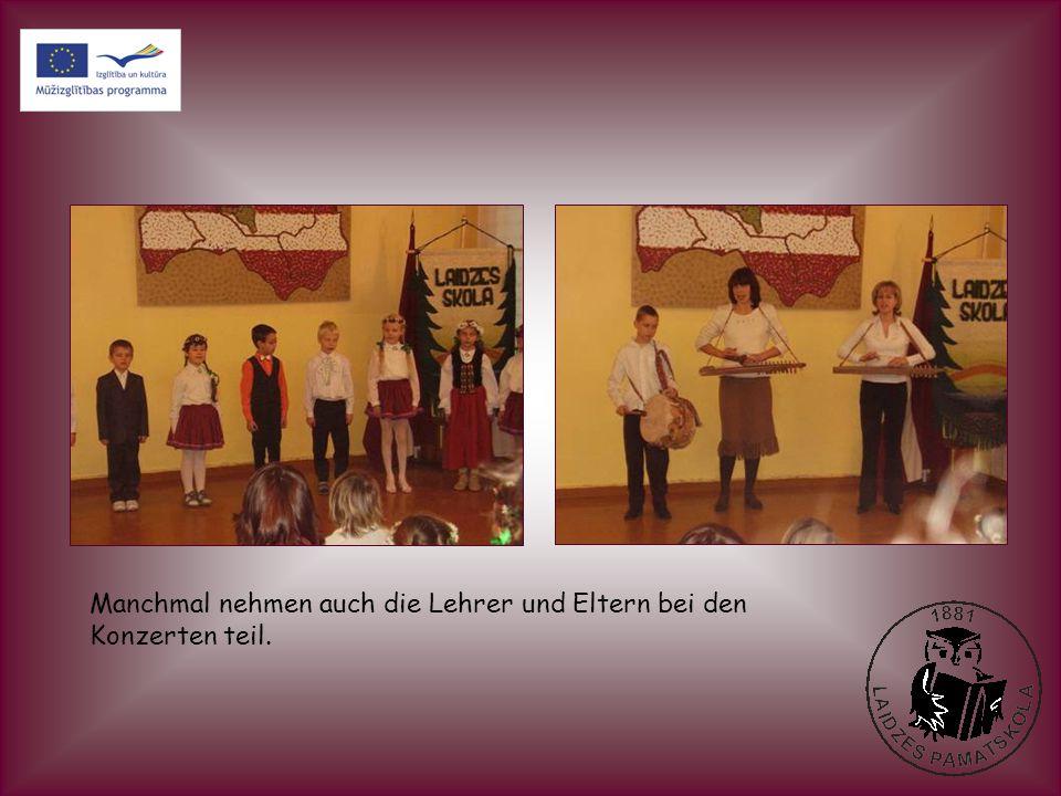 In den Klassen haben die Kinder eine Lettlands Jubileumstorte gemacht.
