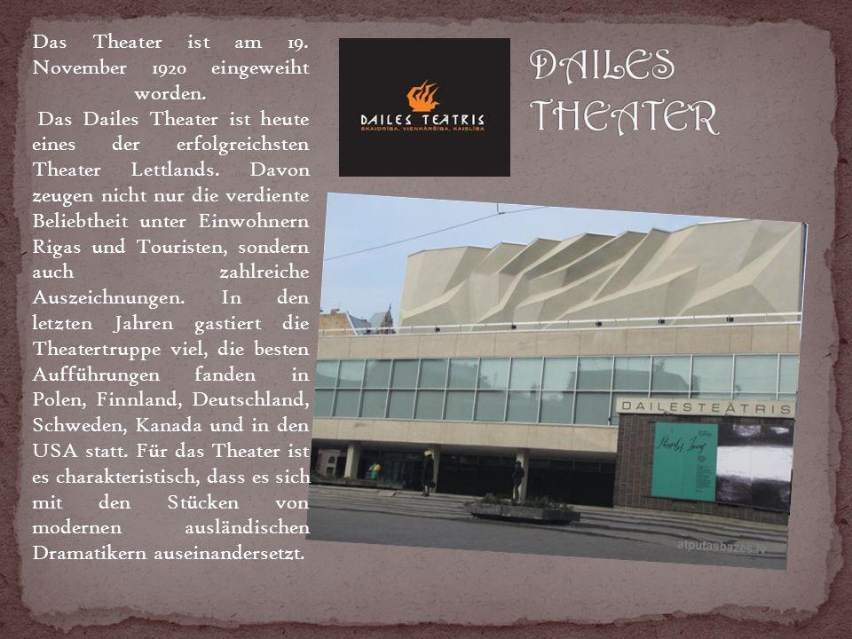 Das Theater ist am 19. November 1920 eingeweiht worden.