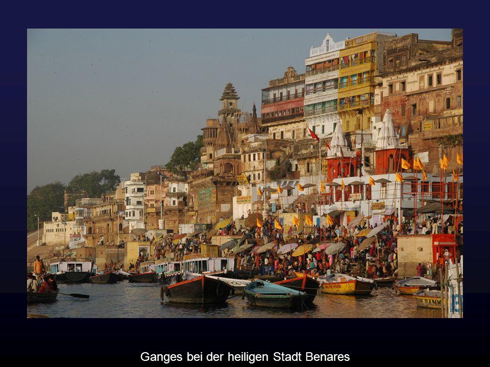 Ganges bei der heiligen Stadt Benares