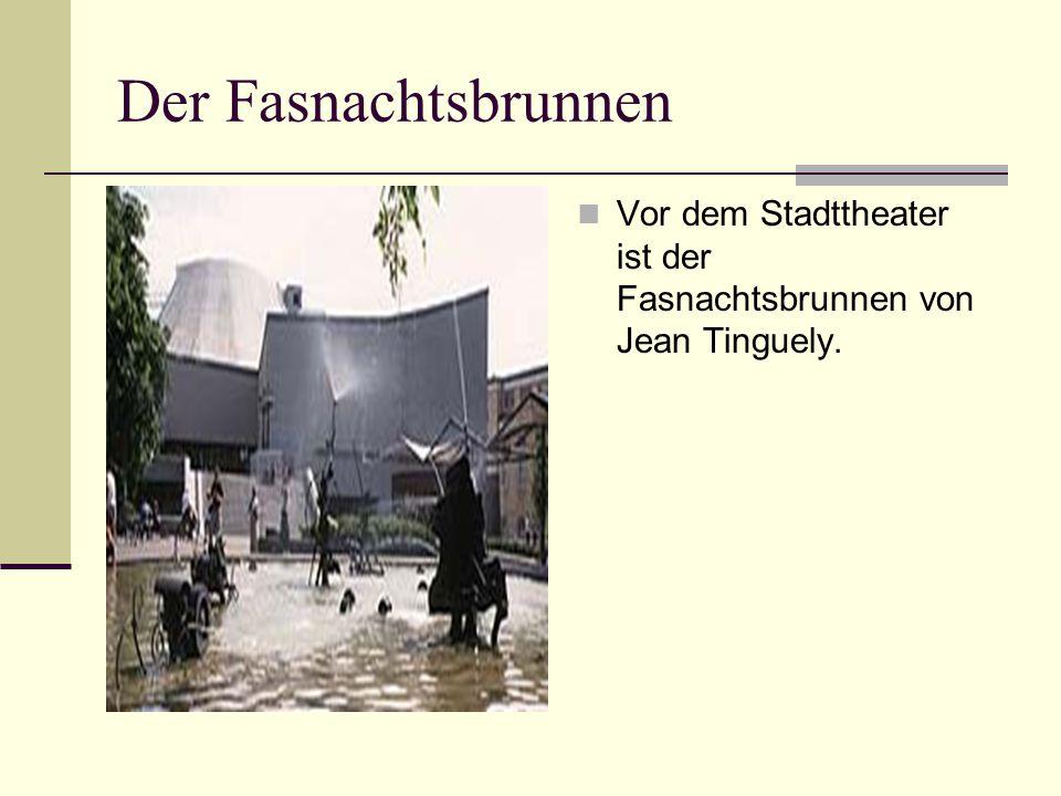 Die Rheinfähre (Fähri) Der Rhein trennt Basel und Kleinbasel.