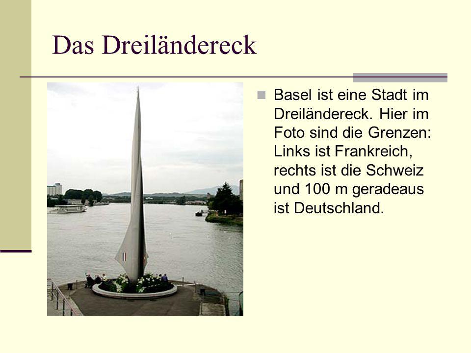 Das Dreiländereck Basel ist eine Stadt im Dreiländereck. Hier im Foto sind die Grenzen: Links ist Frankreich, rechts ist die Schweiz und 100 m geradea