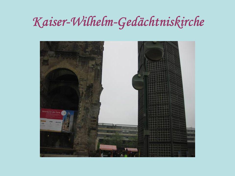 Die Berliner nennen diese Stra ß e Kudamm.