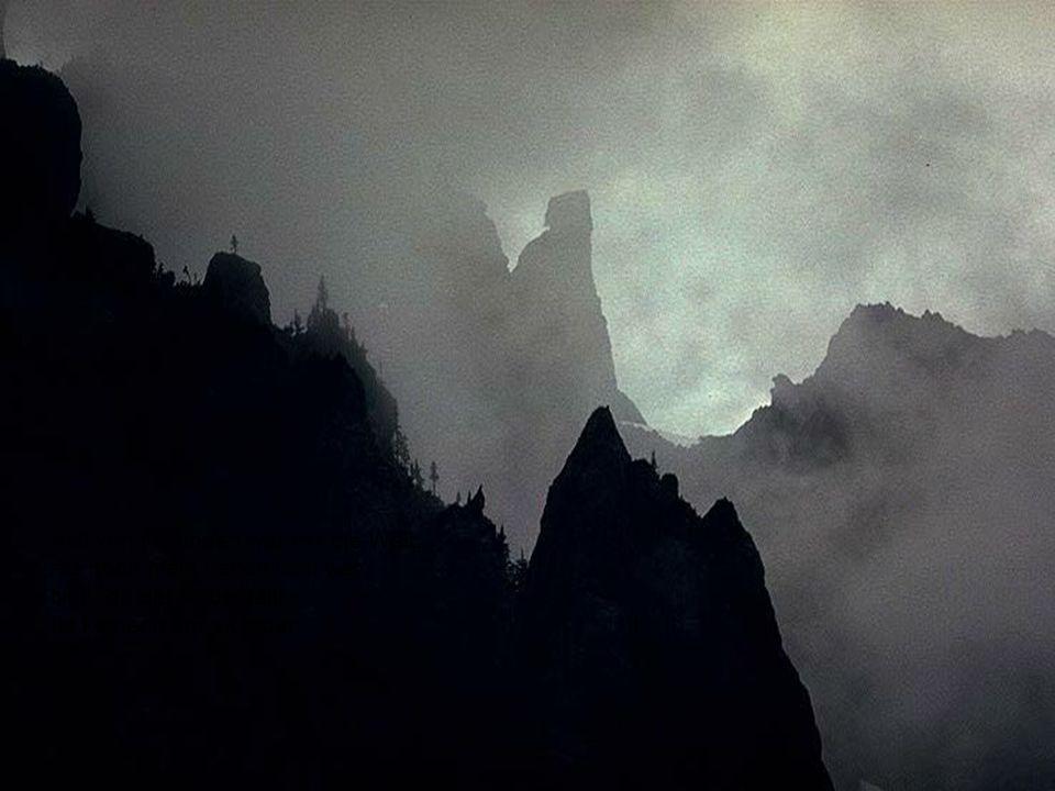 Voll von Freunden war mir die Welt, Als noch mein Leben licht war, Nun, da der Nebel fällt, Ist keiner mehr sichtbar