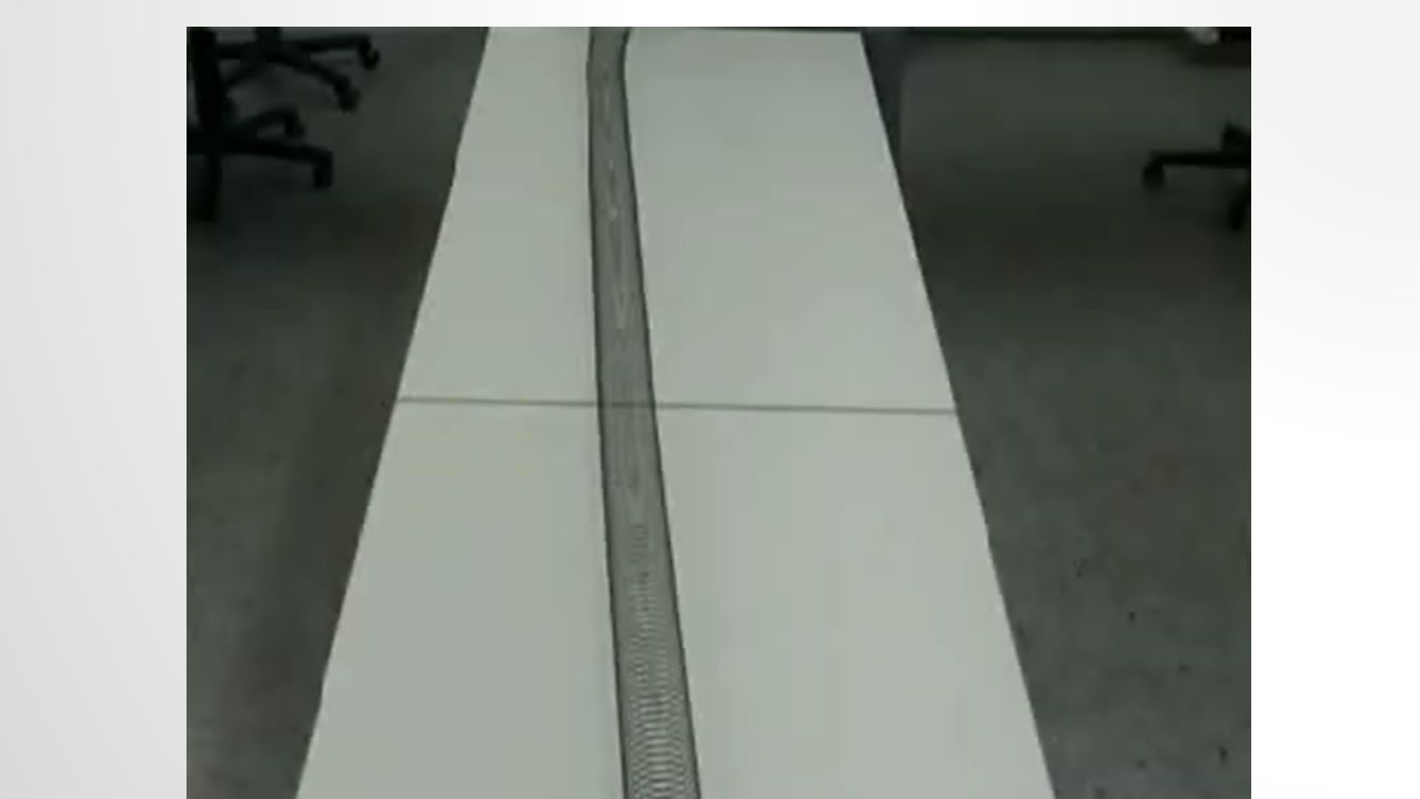 RAYLEIGH-WELLEN (OBERFLÄCHENWELLEN) Entstehen durch an der Oberfläche gebrochene P- oder S- Wellen 2000-4000 m/s