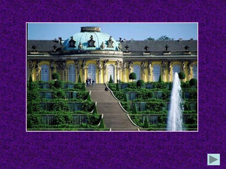 Wo befindet sich das weltberühmte Schloss Sanssouci? in Bonn in Köln in Potsdam