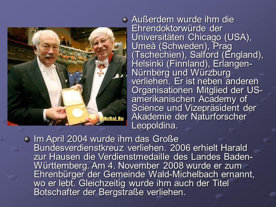 Außerdem wurde ihm die Ehrendoktorwürde der Universitäten Chicago (USA), Umeå (Schweden), Prag (Tschechien), Salford (England), Helsinki (Finnland), E