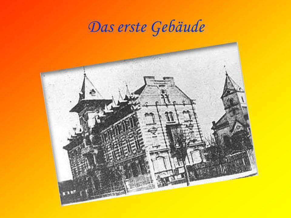 Am Anfang… Im Jahre 1906 wurde das Handelsgymnasium eröffnet.