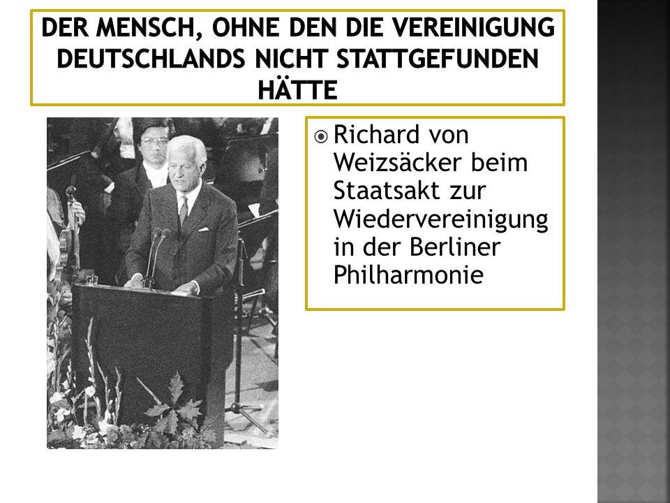 Richard von Weizsäcker beim Staatsakt zur Wiedervereinigung in der Berliner Philharmonie