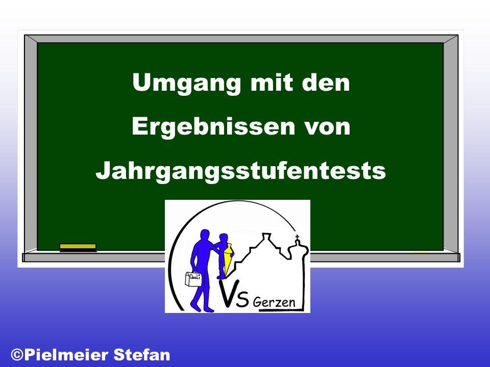 Umgang mit den Ergebnissen von Jahrgangsstufentests ©Pielmeier Stefan