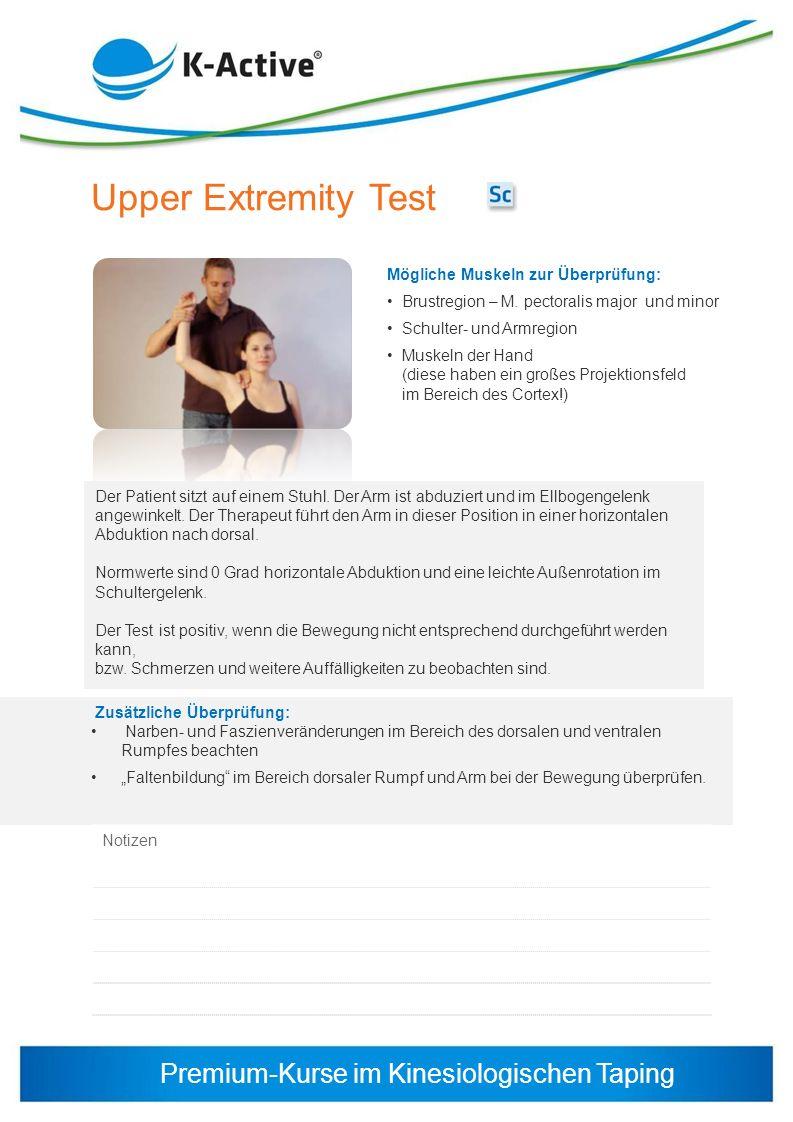 Premium-Kurse im Kinesiologischen Taping Upper Extremity Test Der Patient sitzt auf einem Stuhl. Der Arm ist abduziert und im Ellbogengelenk angewinke