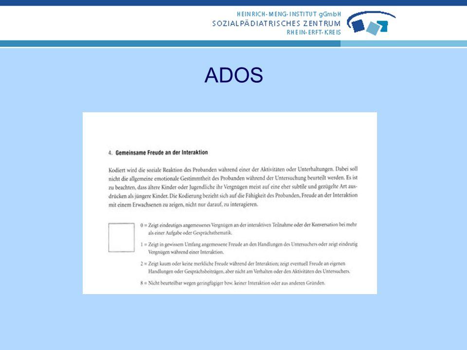 ADOS Untersucher wählt für den jeweiligen Probanden das nach Einschätzung der expressiven sprachlichen Fähigkeiten und des chronologischen Alters indi