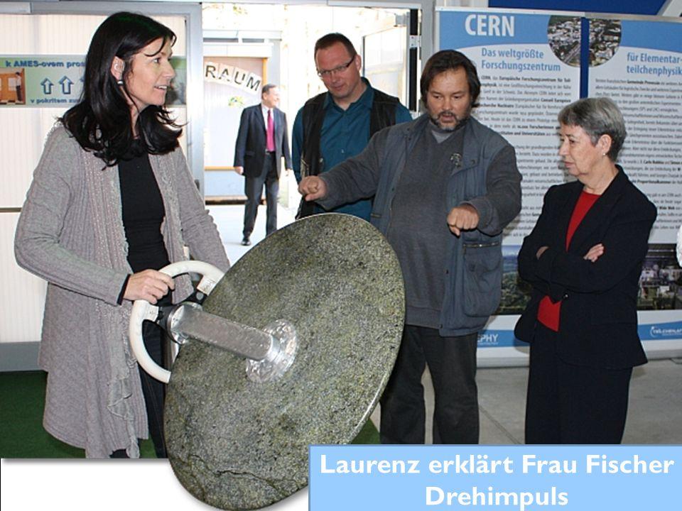 Laurenz erklärt Frau Fischer Drehimpuls