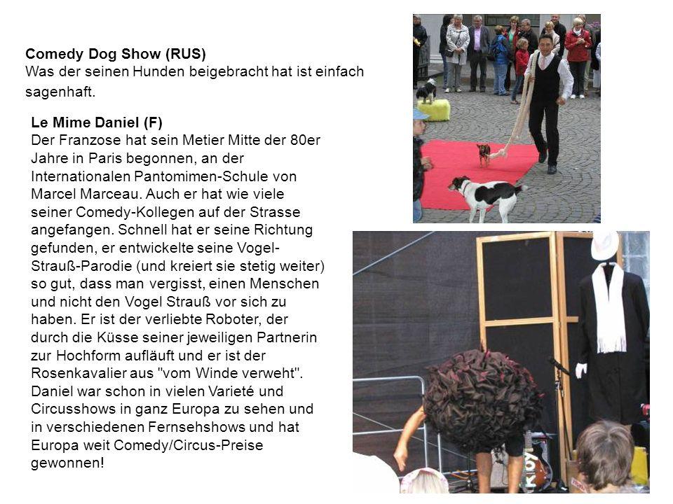 Comedy Dog Show (RUS) Was der seinen Hunden beigebracht hat ist einfach sagenhaft.