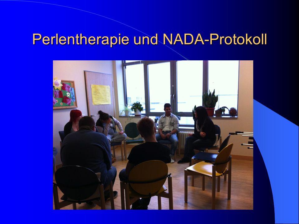 Fazit Die Akupunktur nach dem NADA Protokoll hat die Eigenschaft in allen Phasen therapeutischer Maßnahmen ein hilfreiches Instrument für alle am Behandlungsprozess Beteiligten zu sein, fördert die Stabilisierung im Alltag, trägt zur Körperwahrnehmung bei und schafft einen nonverbalen Zugang zum Patienten.