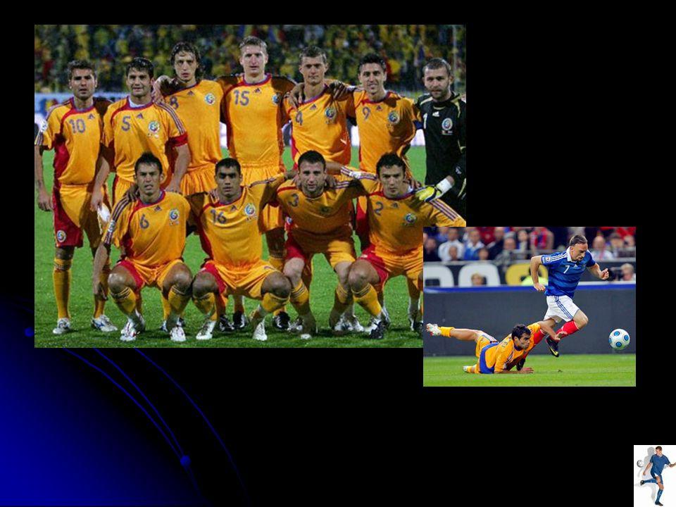 Die Tschechische Fußballnationalmannschaft ist formal Nachfolgerin der Tschechoslowakischen Fußballnationalmannschaft, die nach der Aufspaltung der Tschechoslowakei in Tschechien und Slowakei zum 1.