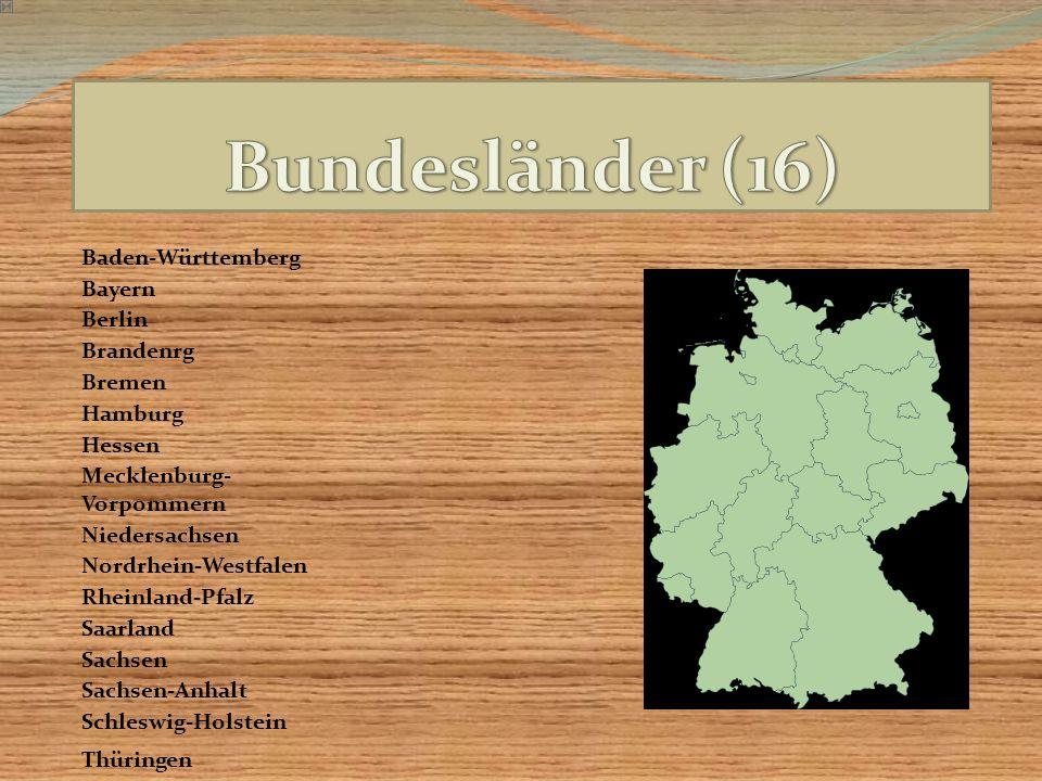 Die naturräumlichen Großregionen sind von Nord nach Süd Norddeutsches Tiefland, Mittelgebirgszone und Alpenvorland mit Alpen.