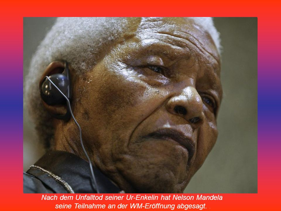 Nelson Mandela mit dem WM-Pokal