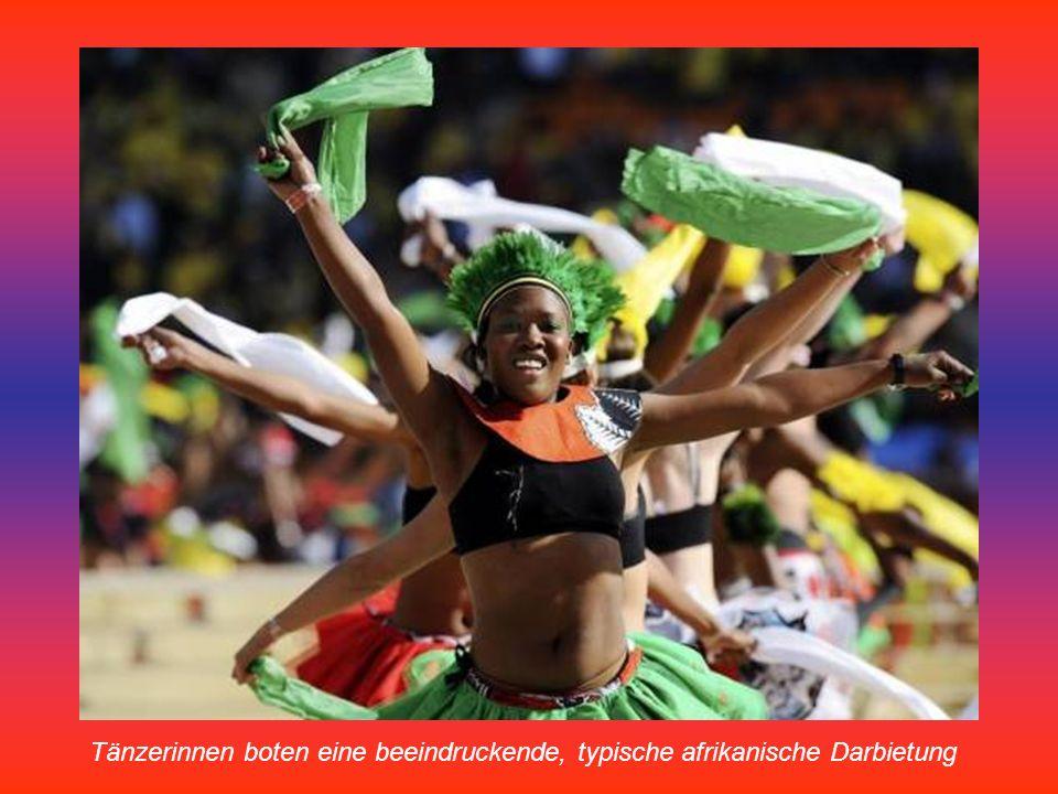 Ein südafrikanischer Tänzer beschwört eine gute WM-Stimmung