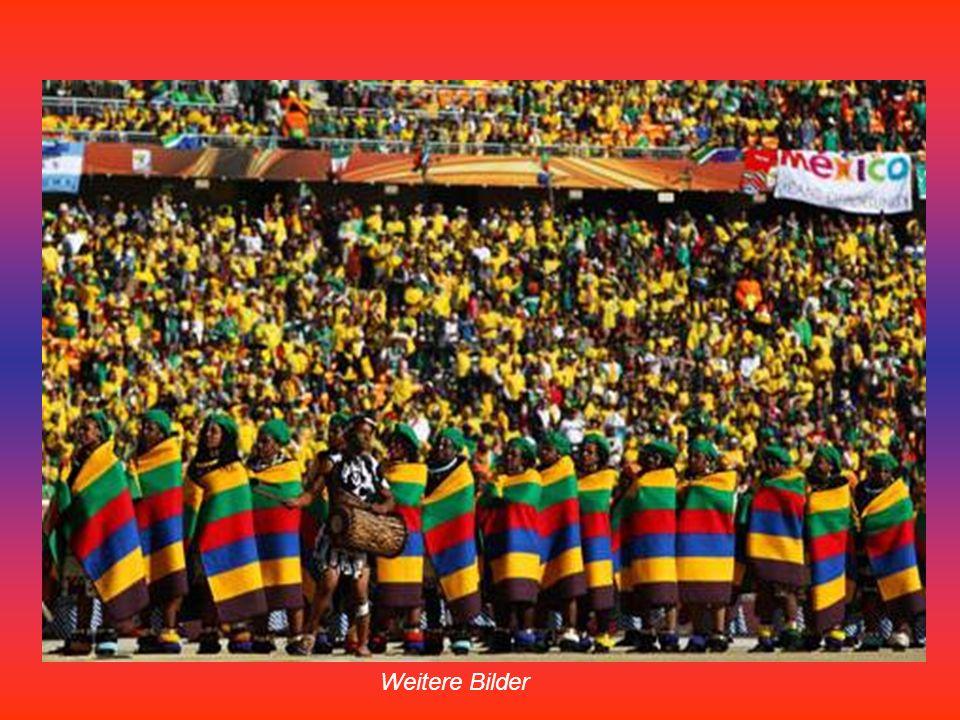 Tänzer in bunten Gewändern sorgten für eine farbenfrohe Eröffnungsfeier