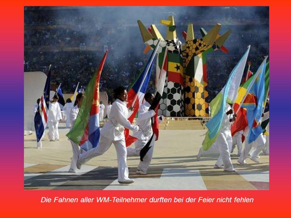 Die Fahnen aller WM-Teilnehmer durften bei der Feier nicht fehlen