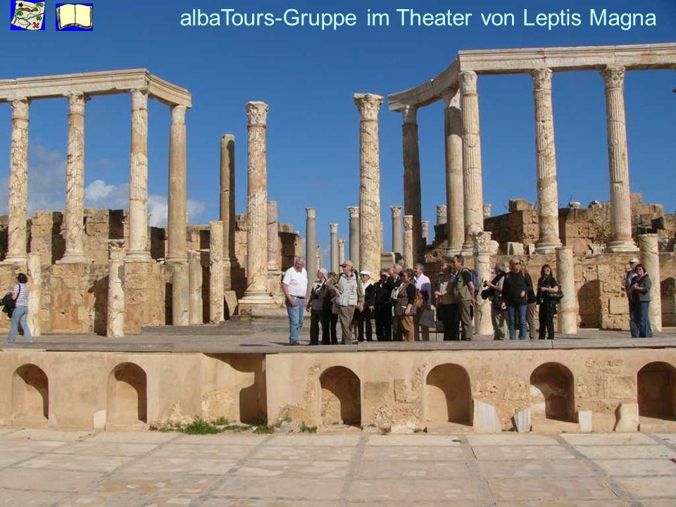 albaTours-Gruppe im Theater von Leptis Magna