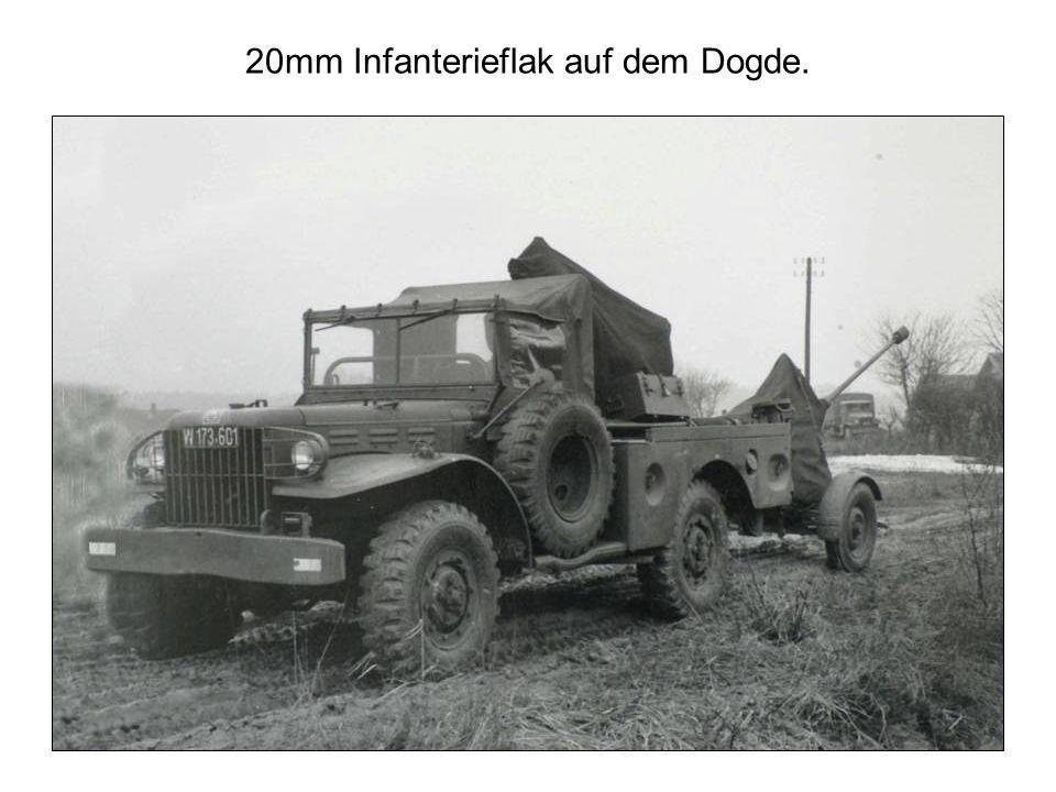 20mm Infanterieflak auf dem Dogde.