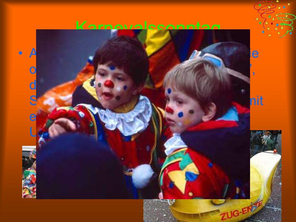 Dreigestirn Das Dreigestirn besteht aus drei Figuren des Kölner Karnevals: dem Prinzen, dem Bauern und der Jungfrau. Jedes Jahr werden drei andere Kar