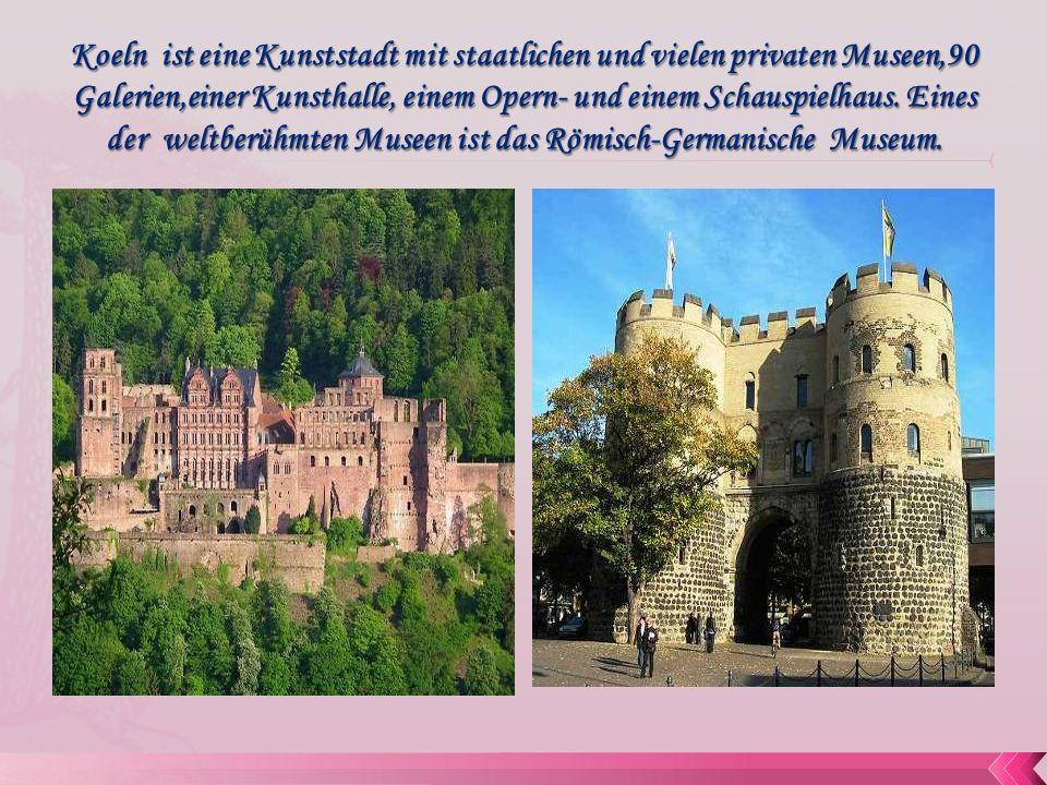 In Koeln gibt es andere bedeutende Kirchenbauten.Gross St.
