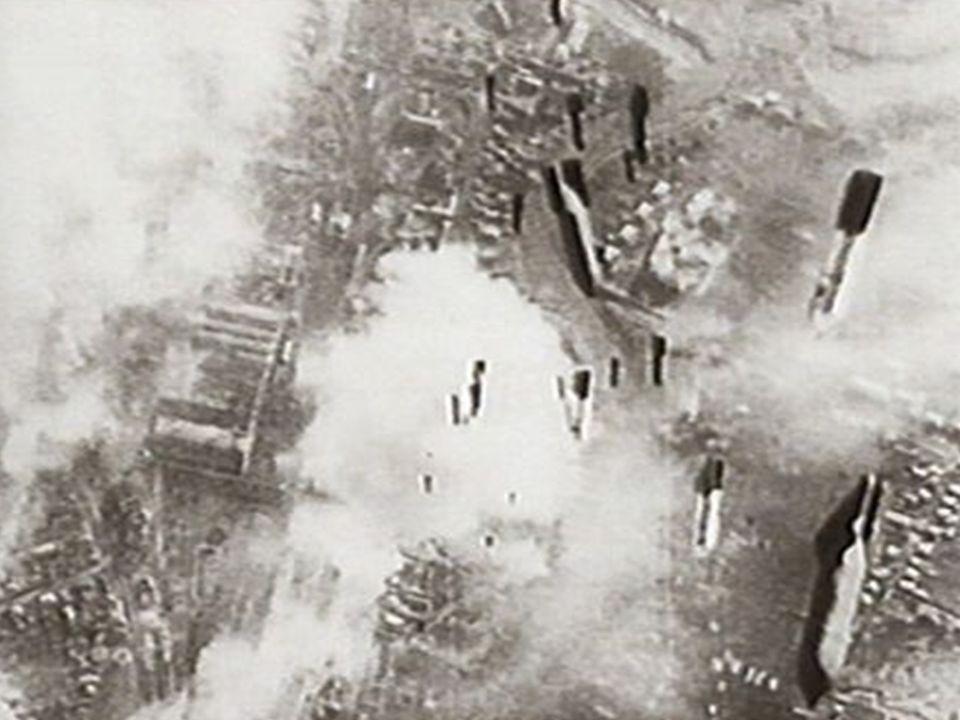 Der Generalangriff Nach Ablauf des Ultimatums: Beginn des Generalangriffs 6500 Geschütze eröffnen das Feuer auf den Kessel, 212.000 Mann mit 250 Panzern stürmen vor Weiteres Kapitulationsangebot durch Sowjets wird von Hitler abgelehnt Schicksal damit besiegelt 25.01.1943: Spaltung des Kessels in 2 Teile und Besetzung der Stadtmitte durch Sowjets