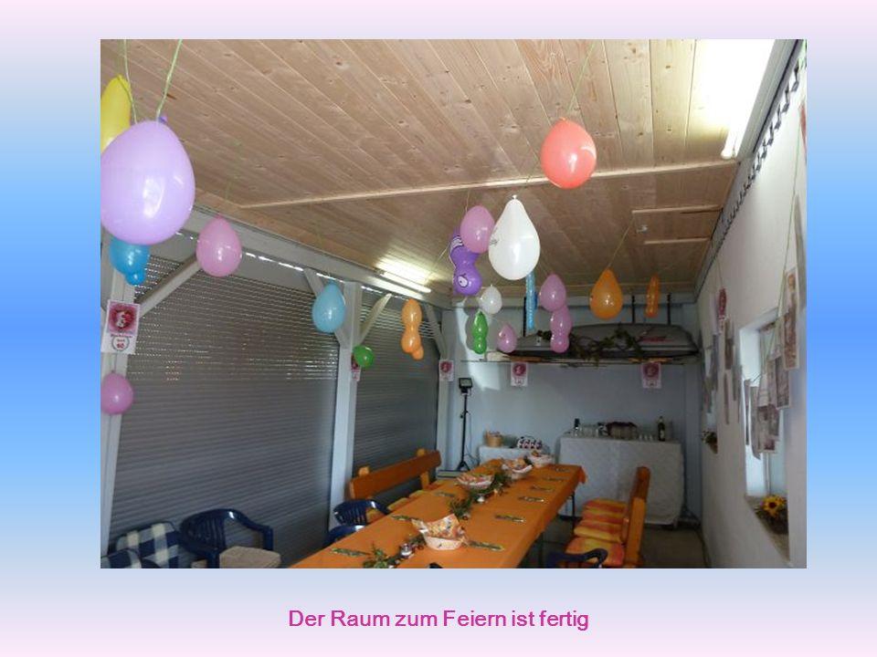 Luftballone werden aufgeblasen