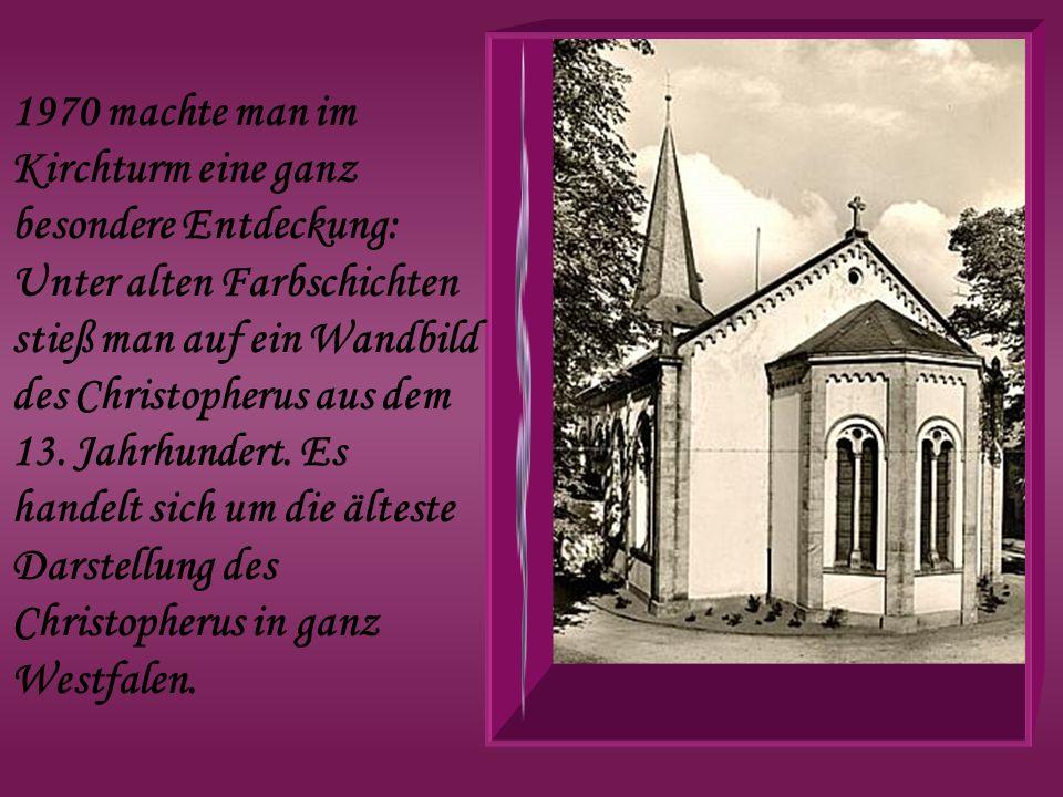 1970 machte man im Kirchturm eine ganz besondere Entdeckung: Unter alten Farbschichten stieß man auf ein Wandbild des Christopherus aus dem 13. Jahrhu