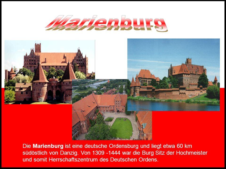 Das Grüne Tor wurde 1568 gebaut. Mit seinen gleich vier Durchgängen und der imposanten Giebelfront erinnert es mehr an ein Schloss als an ein Stadttor