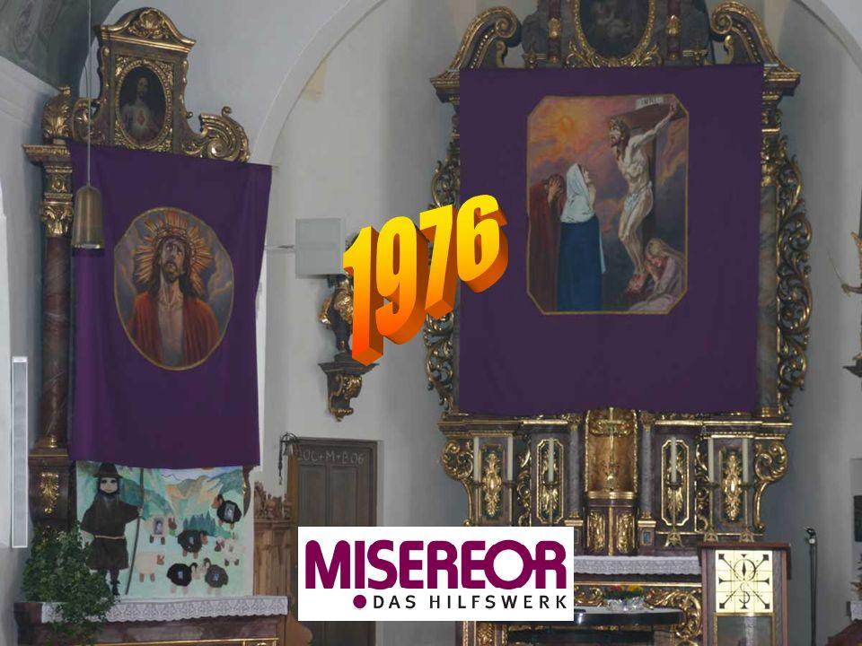 In den Medaillons des alten Meditationsbildes weisen Symbole hin auf die Werke der Barmherzigkeit der christlichen Tradition.