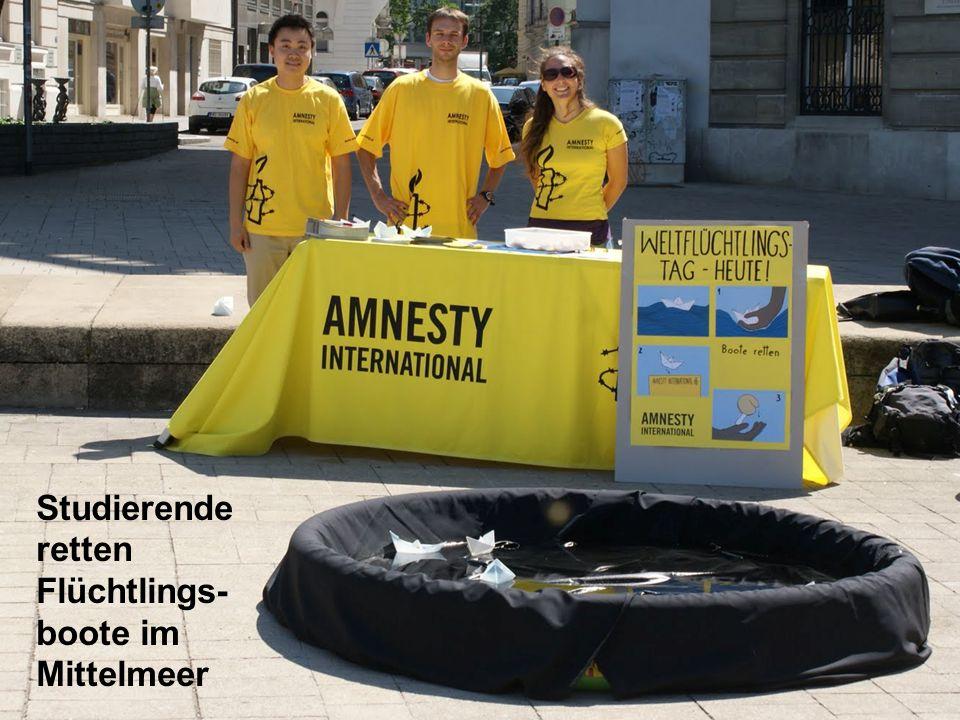 Studierende retten Flüchtlings- boote im Mittelmeer
