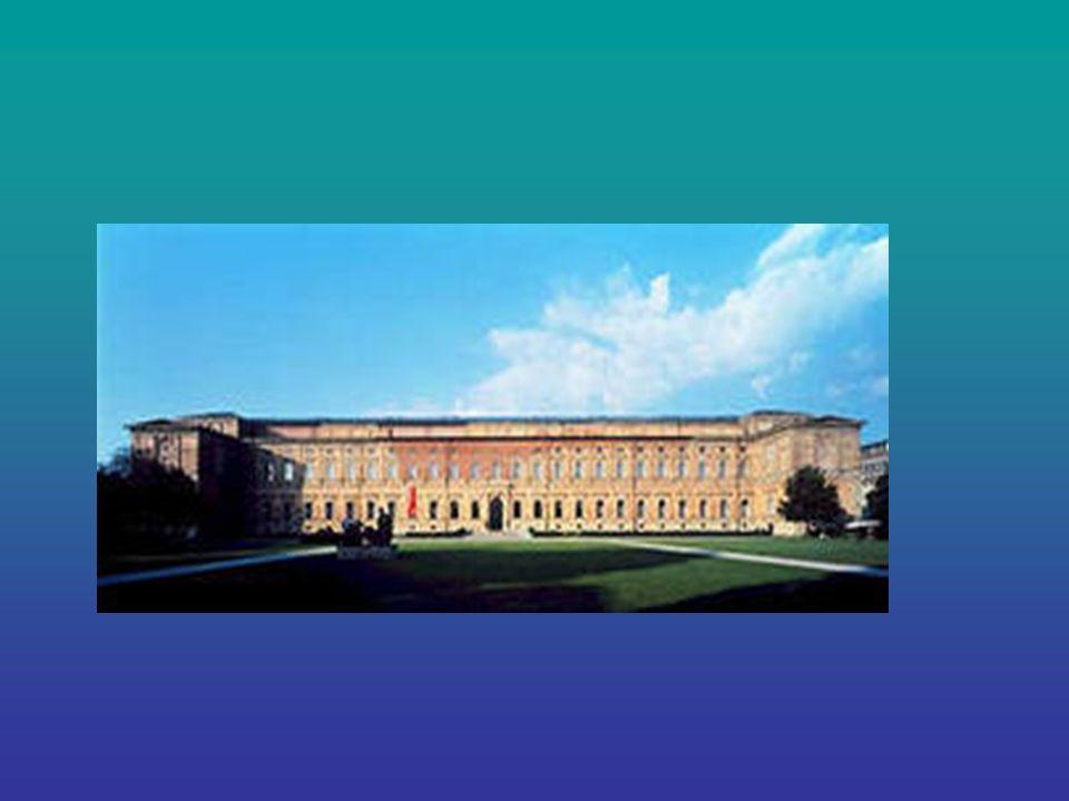 Alte Pinakothek Alte Pinakothek- eine Bildergalerie in München. Ist einer der berühmtesten Kunstgalerien der Welt. In Ihr sind die Werke der Meister d