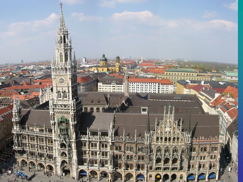 Das Neue Rathaus Das neugotische Neue Rathaus am Münchner Marienplatz wurde in den Jahren 1867 bis 1909 erbaut