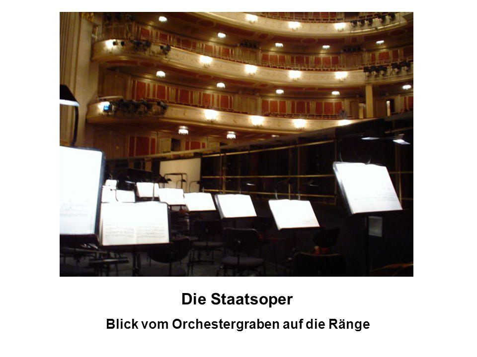 Kultur Berliner Bühnen Neben der Staatsoper gibt es noch die Deutsche Oper, die Komische Oper, die Neuköllner Oper, das englische Opernhaus Friends of the Italian Opera sowie etwa 60 Theater.