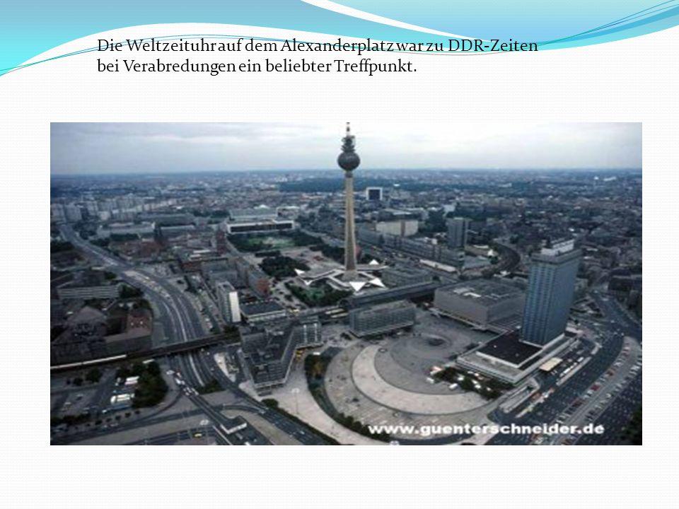 Die Weltzeituhr auf dem Alexanderplatz war zu DDR-Zeiten bei Verabredungen ein beliebter Treffpunkt.