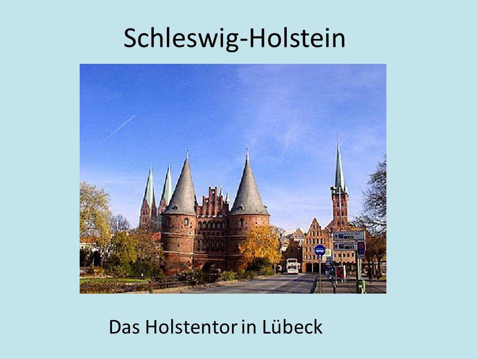 Schleswig-Holstein Das Holstentor in Lübeck
